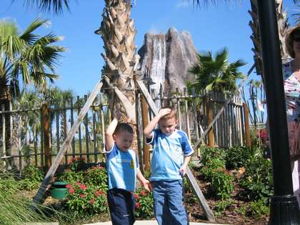 Fri, 4 Mar 2005: Florida, Tiki Island Adventure Golf