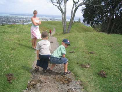 Tue, 3 Jan 2006: Mum and Dad, Mount Eden