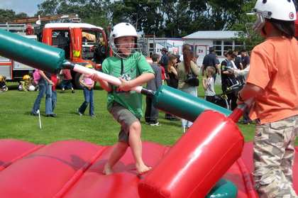 Sat, 25 Nov 2006: New Zealand, Spring, Browns Bay School Xmas Gala