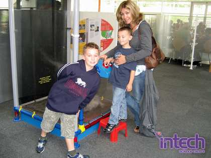 Fri, 31 Aug 2007: Back in England, Intech Science Centre