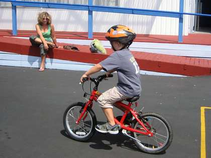 Sat, 24 Feb 2007: Home in New Zealand, Charlie cycling at school